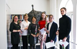 Tre abiturienter får pris i årets uppsatstävling