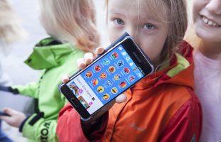 Fonderna finansierar e-böcker för alla i åk 1-9