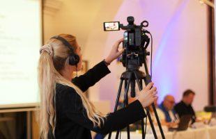 Nästan 600 000 euro till film och media