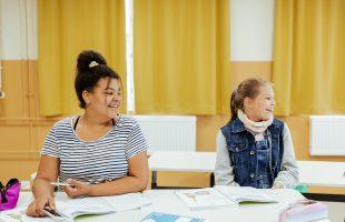 Det svenska i Finland står och faller med utbildningen