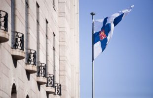 Ska du avlägga språkexamen i finska för statsförvaltningen?